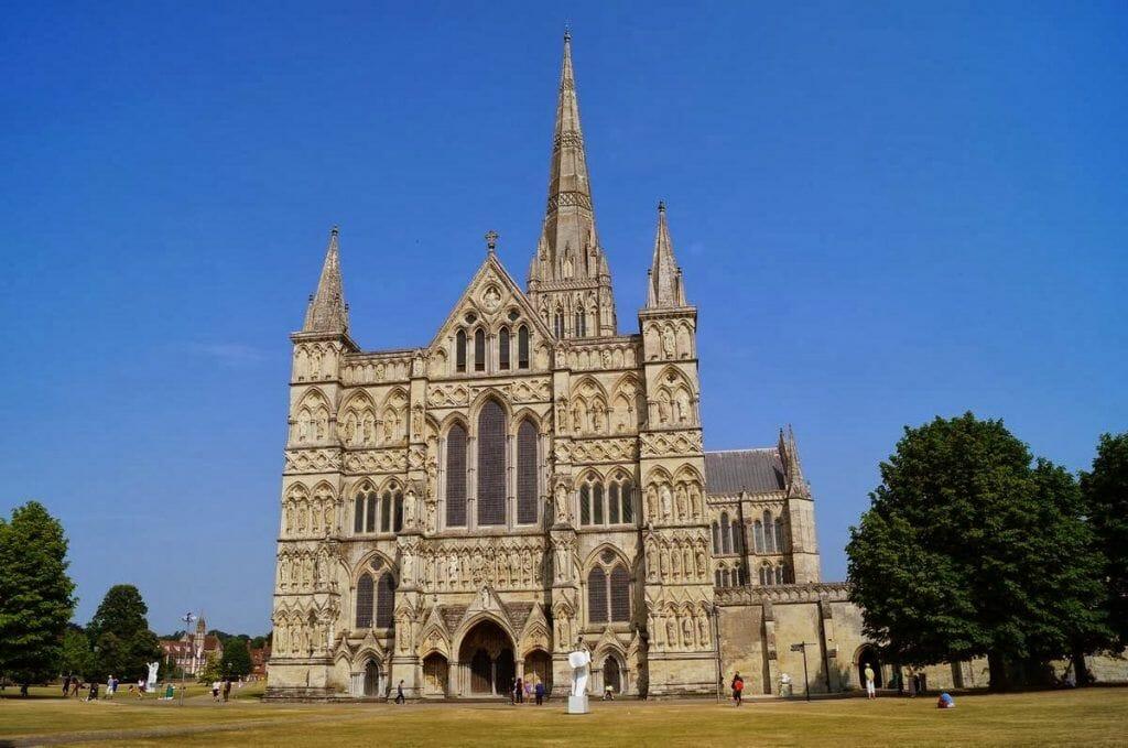 catedral de Salisbury, catedrales goticas, catedrales de Inglaterra, catedral de los Pilares de la Tierra