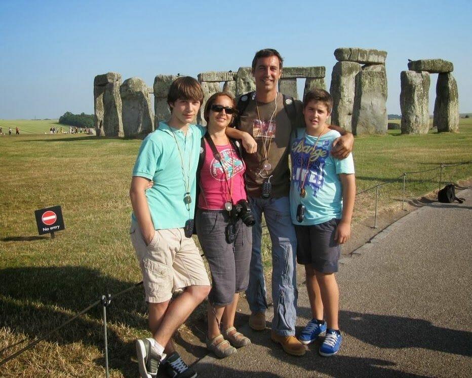 Círculo de piedras de Stonehenge Inglaterra en familia