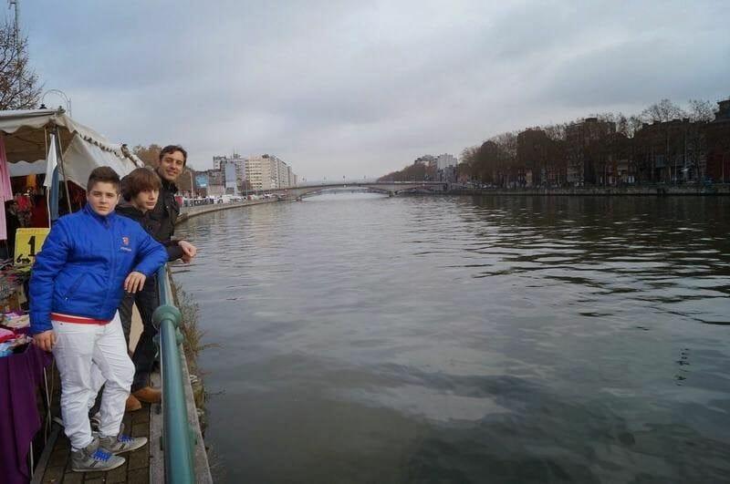 río de Lieja orilla