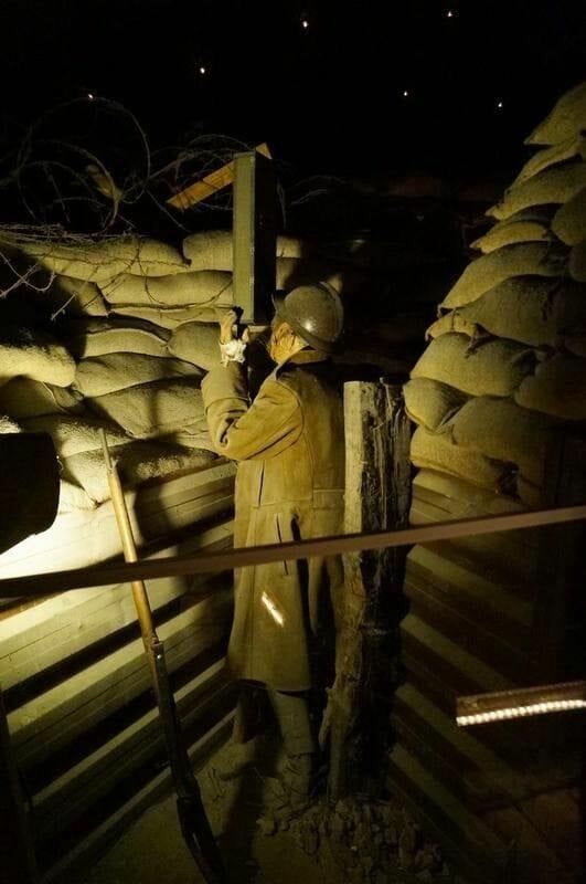 Trincheras de 1914 y el búnker hundido Citadelle dinant