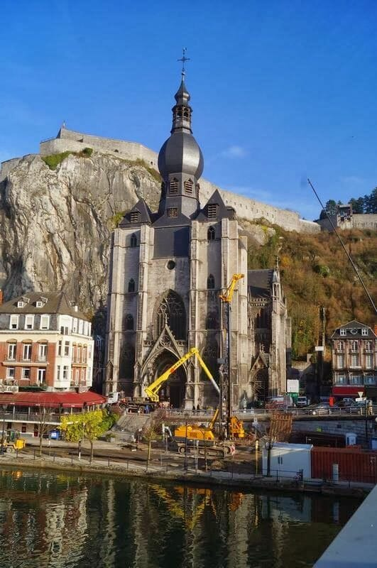 la Collégiale Notre-Dame o Colegiata de Dinant