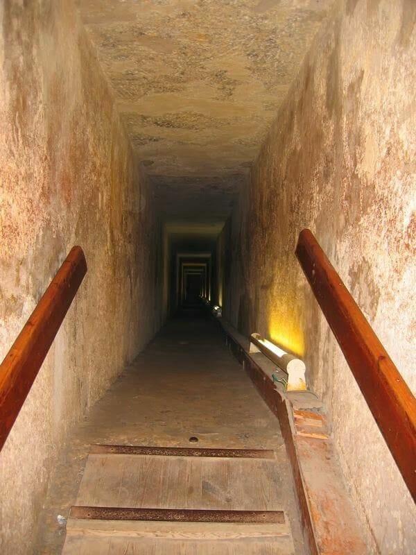visitar el interior de las pirámides de Egipto