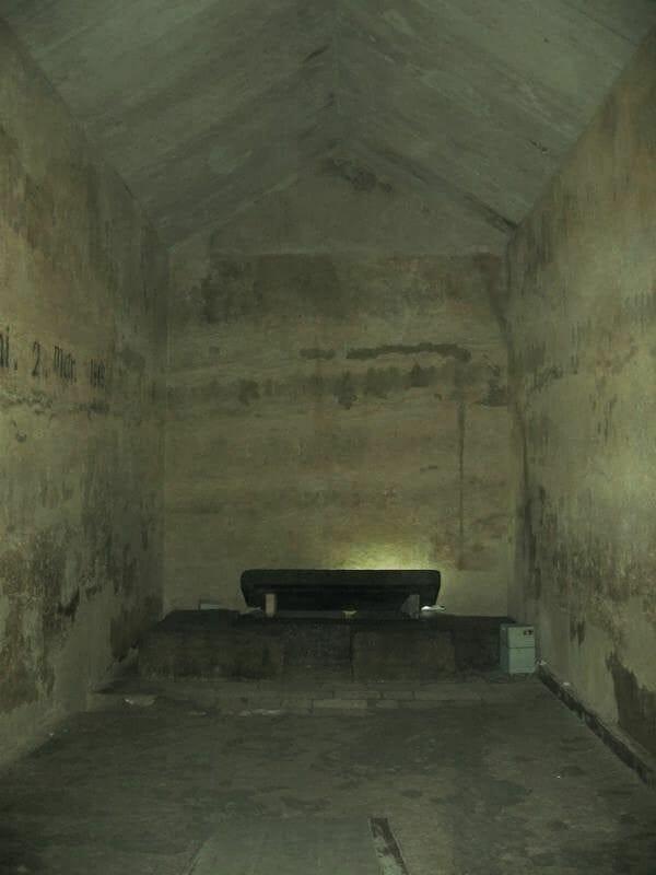 cámara vacía de la pirámide de kefrén Egipto