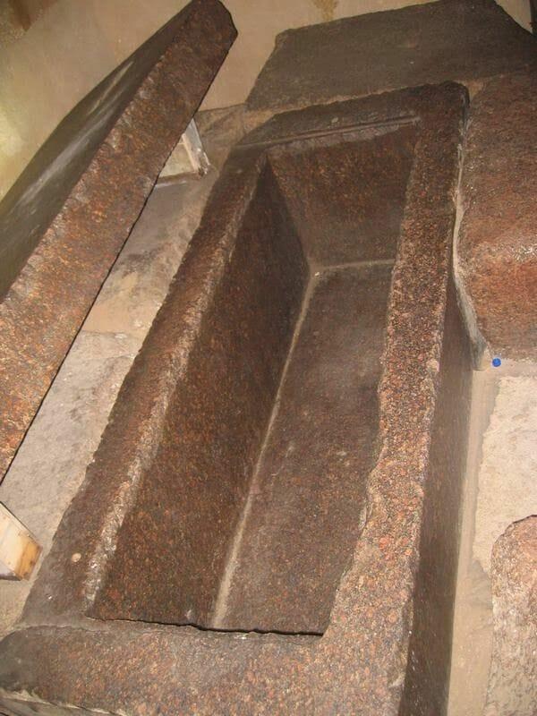 sarcófago de granito de kefrén, Egipto