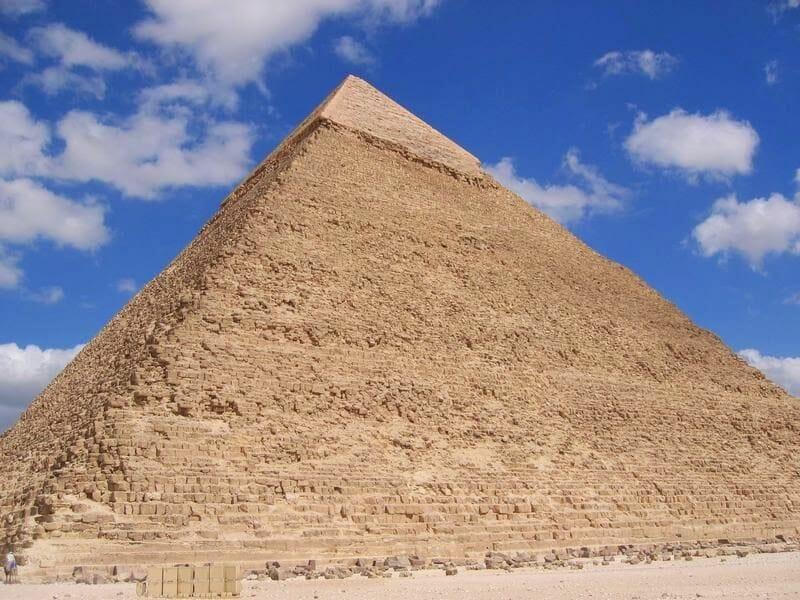 revestimiento exterior de caliza de la pirámide de Kefrén