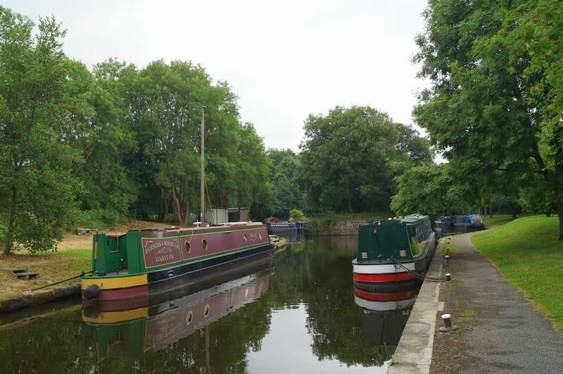 acueducto de Pontcysyllte barcas paradas