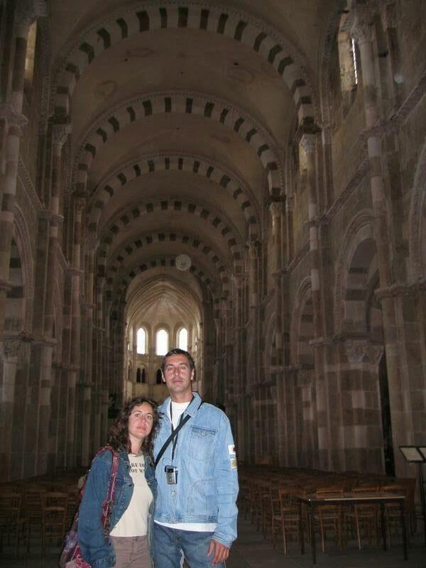 timpano santa Magdalena Vezelay, timpano romanico, romanico pleno, escultura romanica, escultura francia, romanico francia, mision de apostoles, sante madaleine Vezelay, basilica