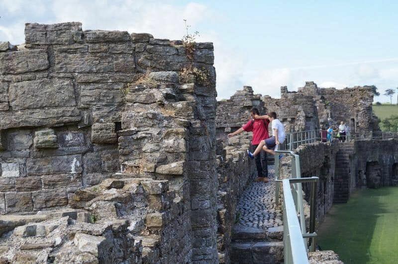 pasarela murallas castillo de Beaumaris
