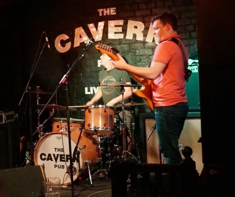 escenario The Cavern concierto
