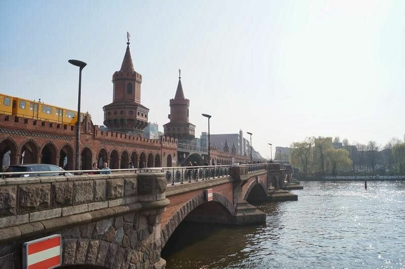puente Oberbaumbrückeberlín