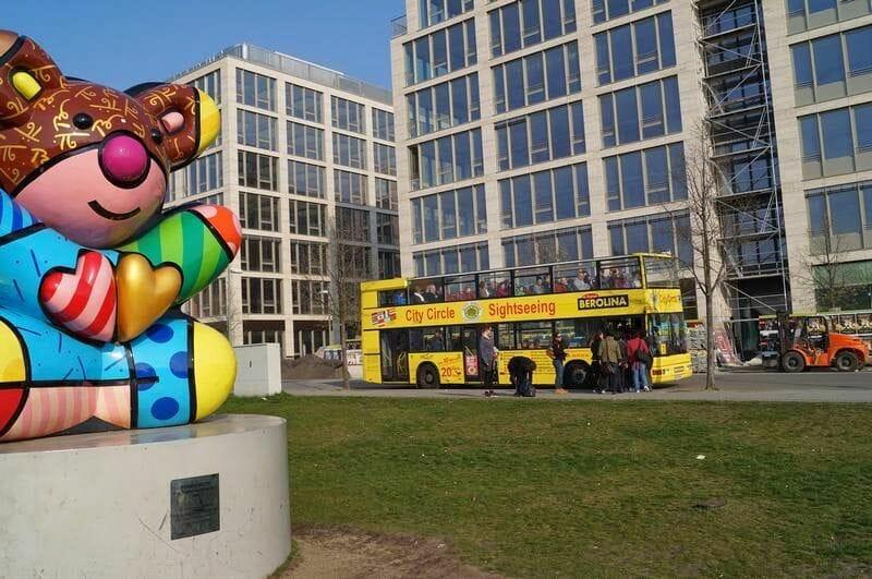 bus turistico berlin amarillo