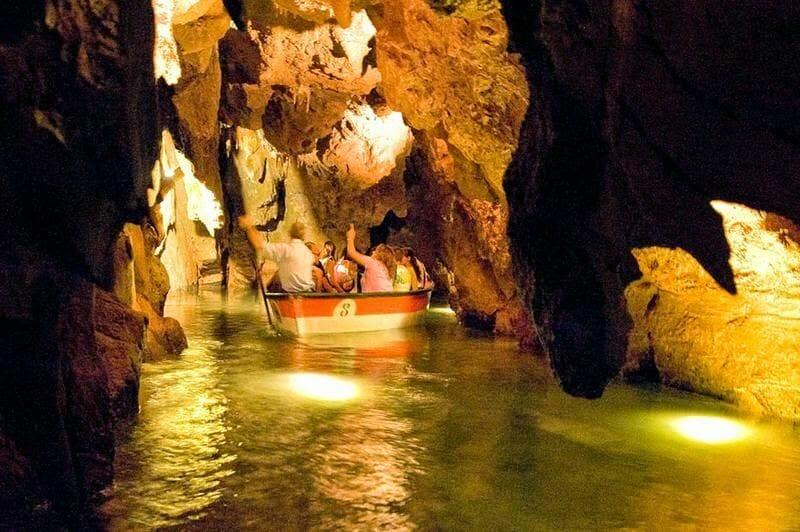 grutas de San José barca