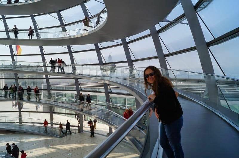 Interior de la Cúpula del Bundestag - Subir a la cúpula del parlamento alemán