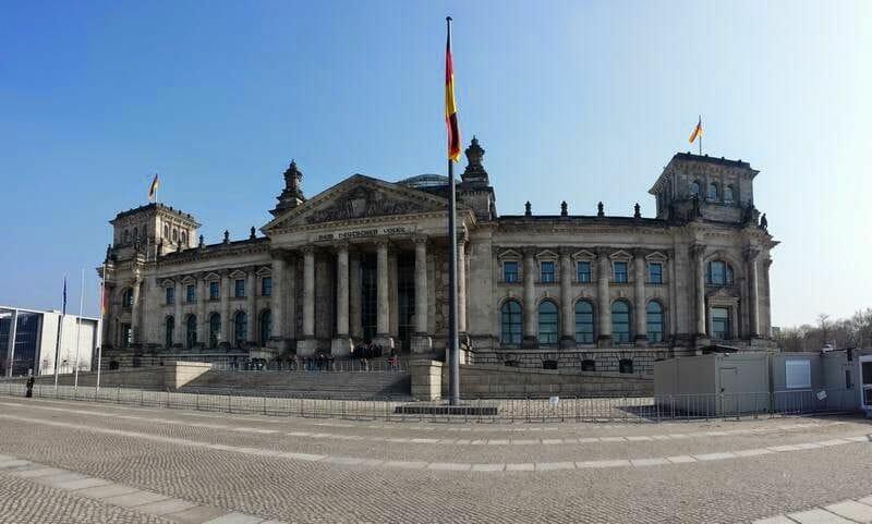 fachada parlamento alemán