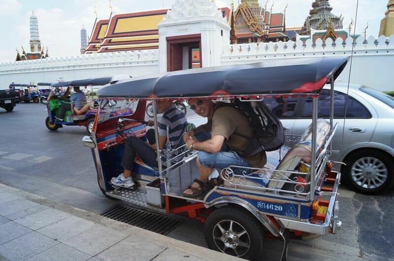 Tuk tuks estafadores de Bangkok