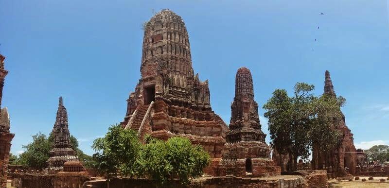 ruinas ayutthaya Wat Chaiwatthanaram