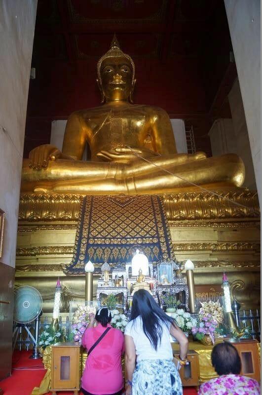 ruinas ayutthaya Wihan Phra Mongkon Bophit