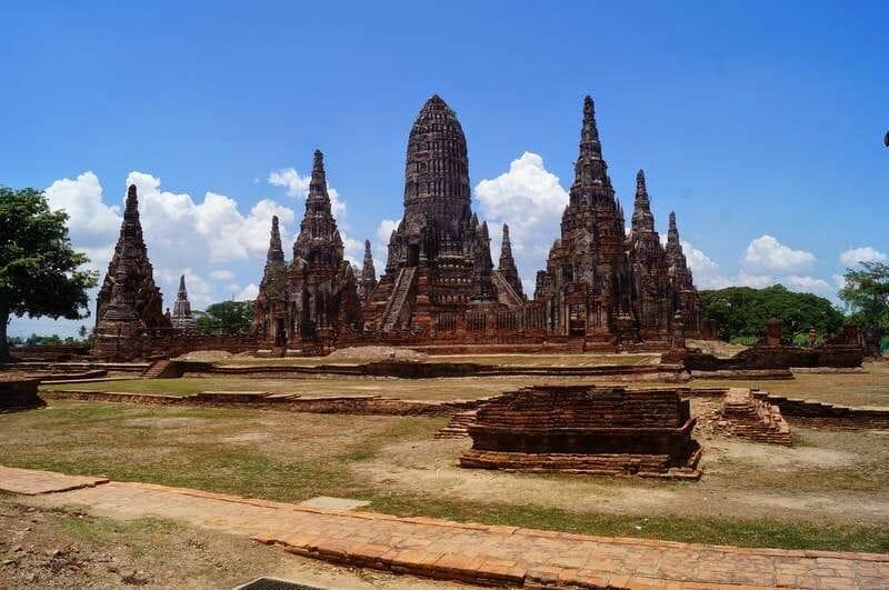 ruinas ayutthaya, Wat Chaiwatthanaram, templos tailandia,