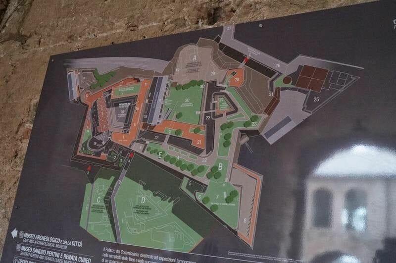 plano fortaleza Priamar de Savona
