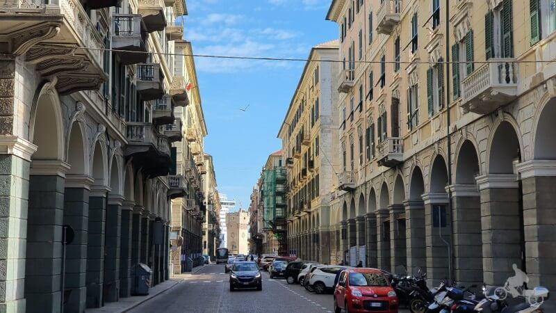 Via Paleocapa que ver en Savona en escala de crucero