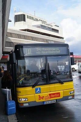 autobús del aeropuerto Tegel que es el TXL