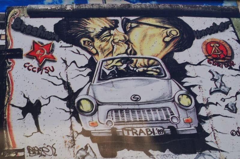 mural del beso en Berlín