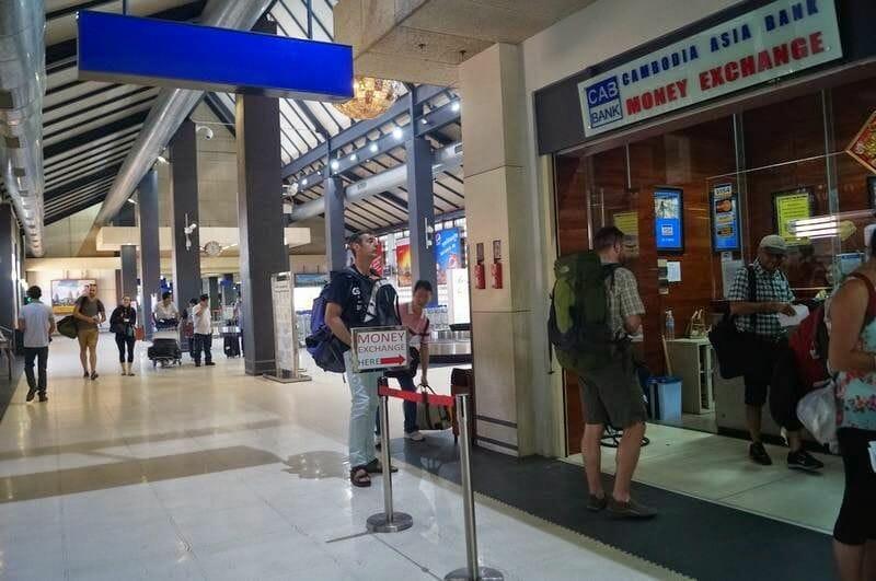 Cambiar moneda en el aeropuerto de Siem reap