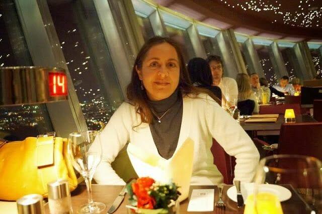 Cena de lujo en el restaurante de la Torre de la Televisión de Berlín