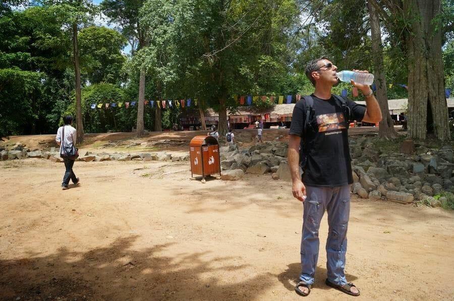beber agua circuito corto templos de Angkor