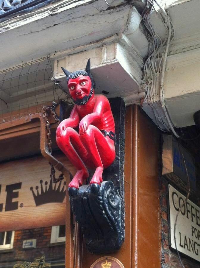 Qué ver en York diablo rojo de Stonegate