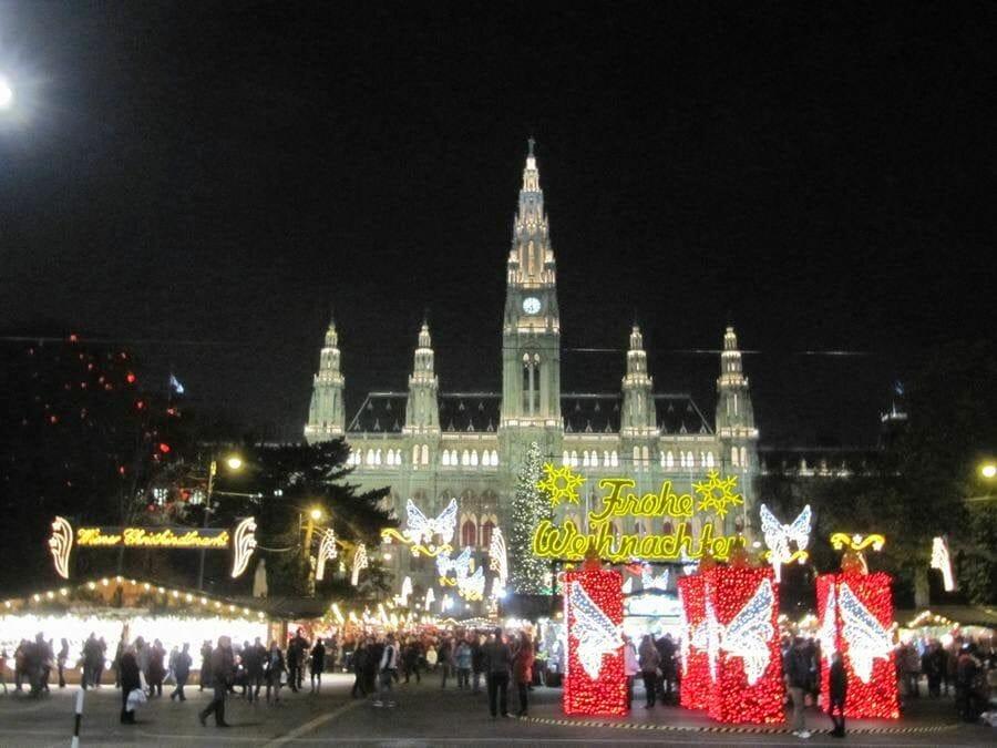Christkindlmarkt Viena de noche