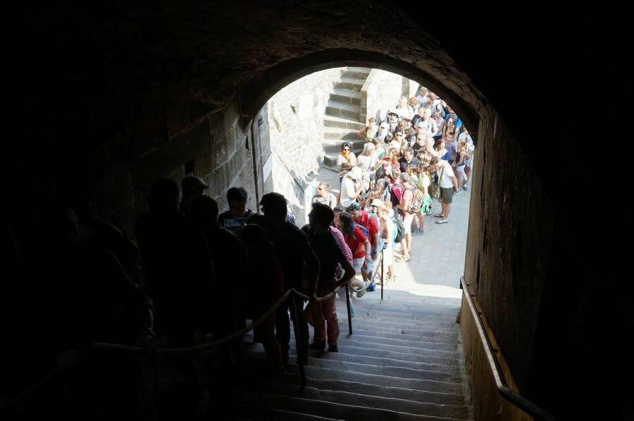 acceso abadía monte saint michel