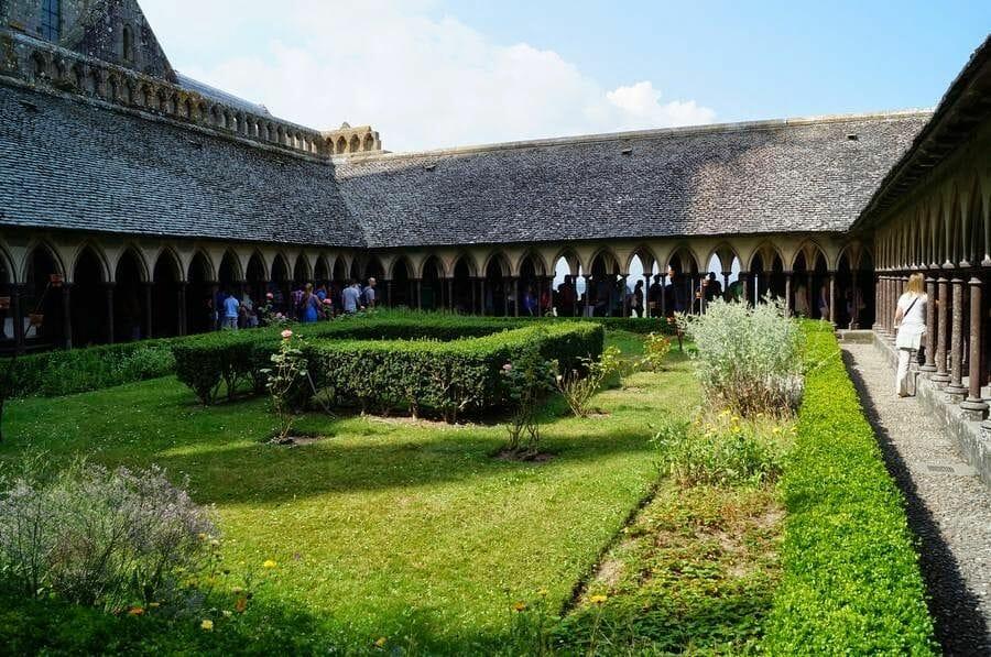 claustro Abadía del monte Saint Michel