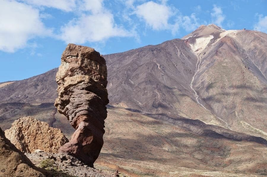 Roque Cinchado o el Árbol de piedra