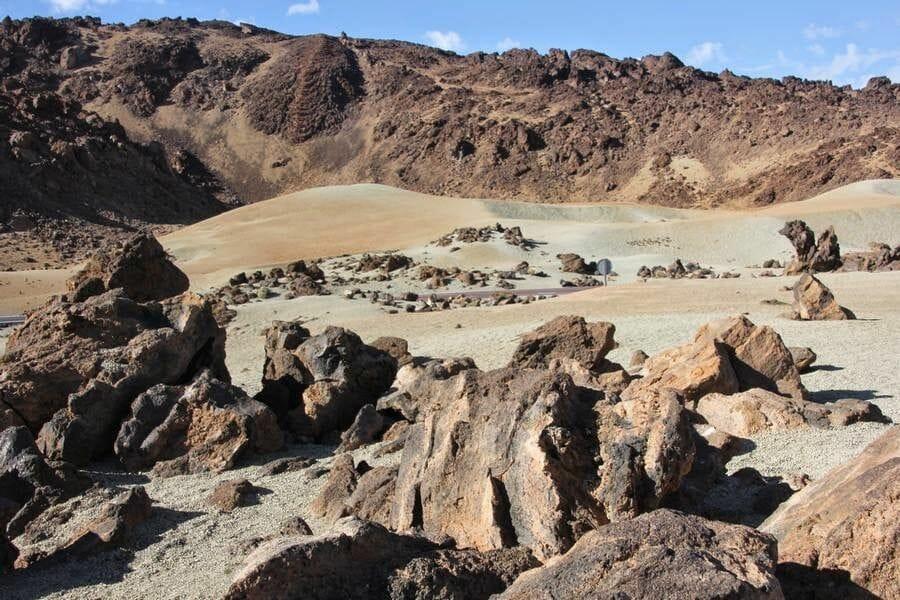 el Tabonal Negro o paisaje lunar tenerife en un día