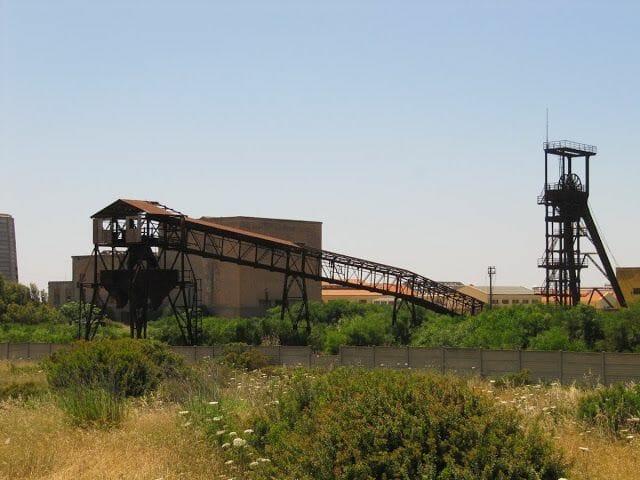 Mina serbariu, carbonia, mina italiana