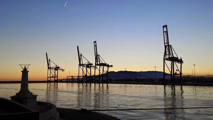 atardecer en puerto de Málaga