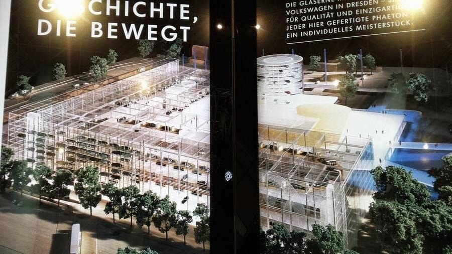 fábrica cristal de la Volkswagen de Dresden