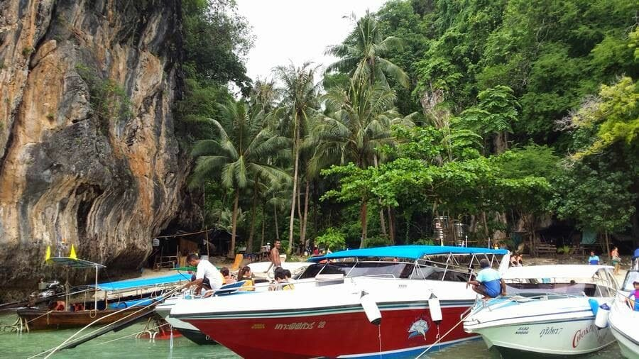 barcas Lading island