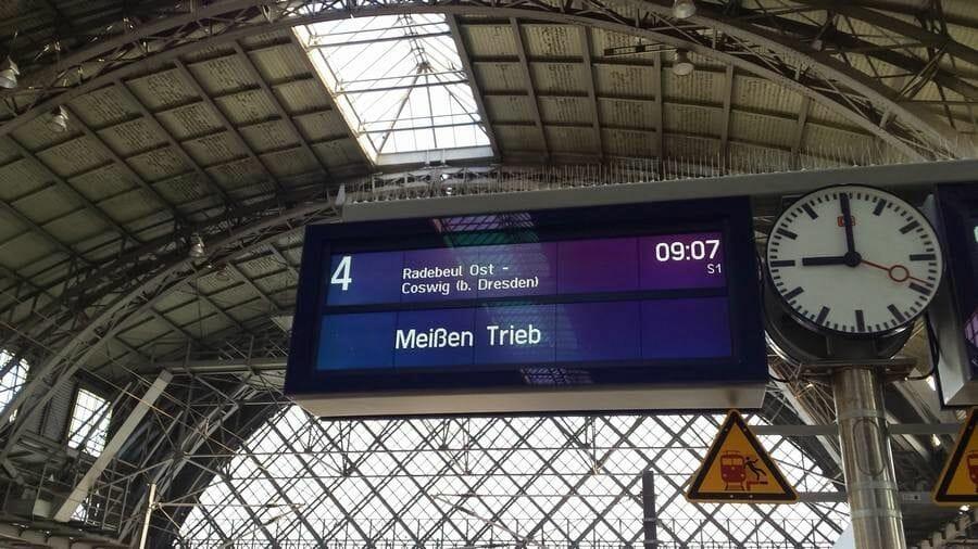 estacion tren dresde reloj estacion