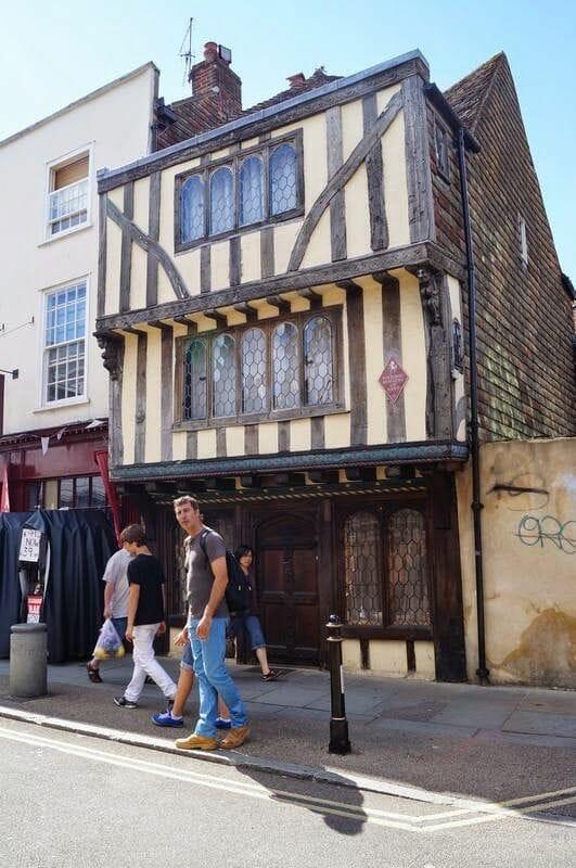 casas medievales canterbury