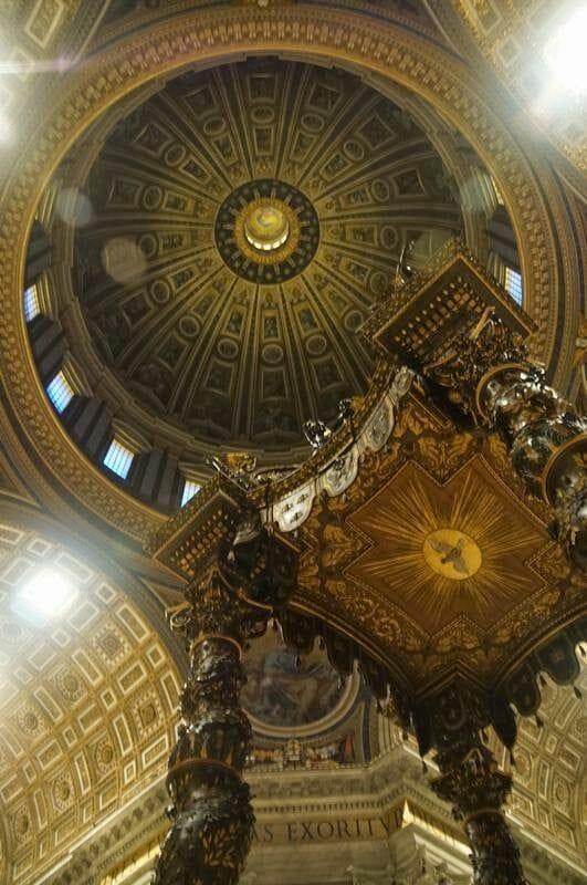 cúpula de San Pedro desde el interior de la Basílica de San Pedro