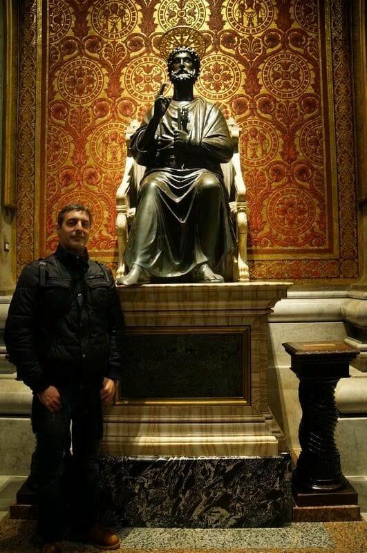 Estatua de san pedro de la Basílica de San Pedro
