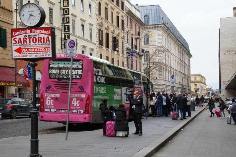 Bus Terravision en Roma Termini