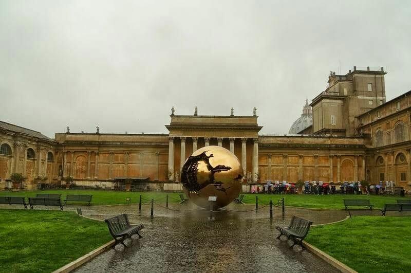 esfera museos vaticanos