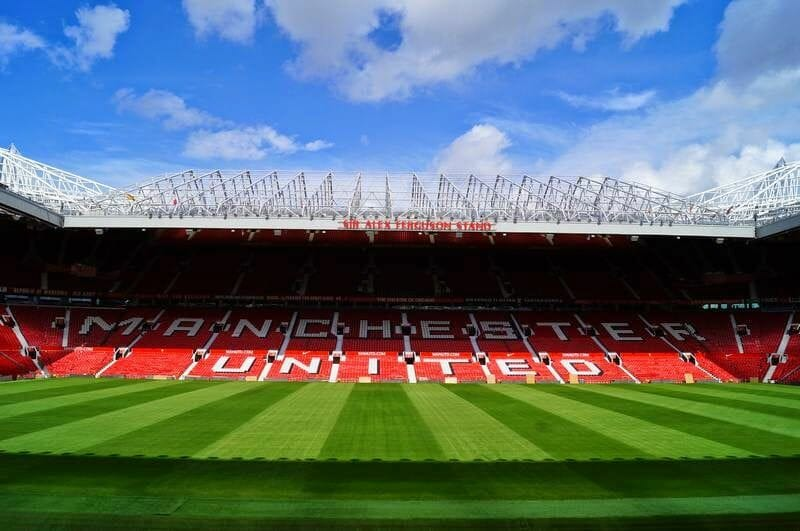 cesped estadio Manchester United