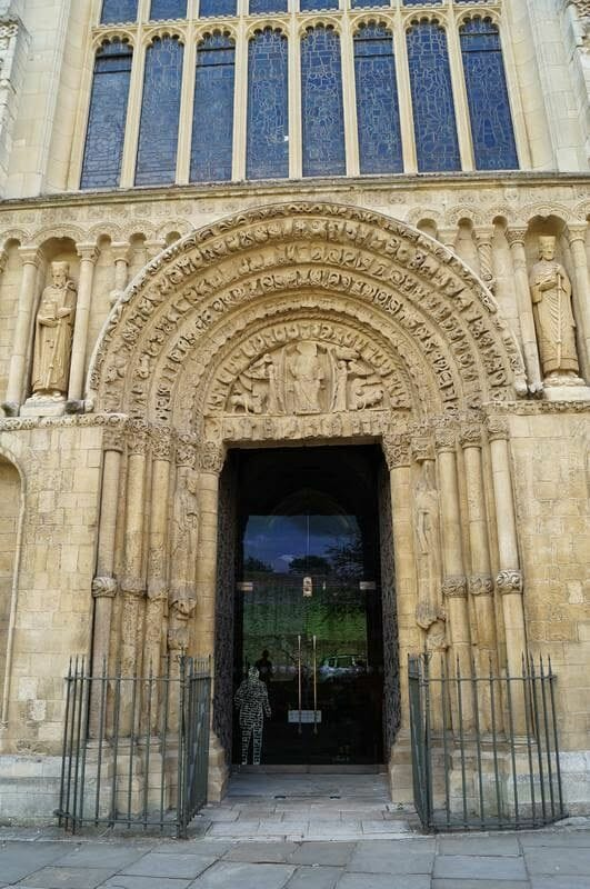 puerta catedral de rochester