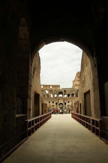 coliseo romano entrada arena belvedere