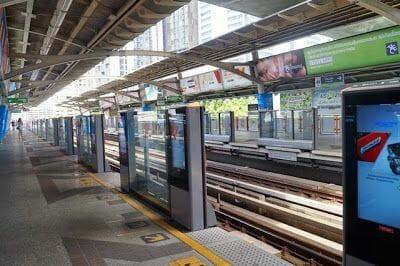 estacion skytrain bangkok