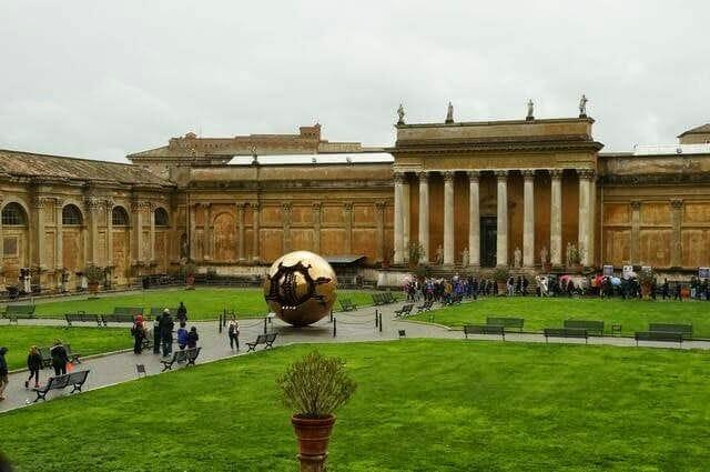 patio de la Piña - Visita del Vaticano